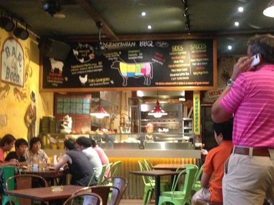 La Boca Latino Bar: Toward the kitchen