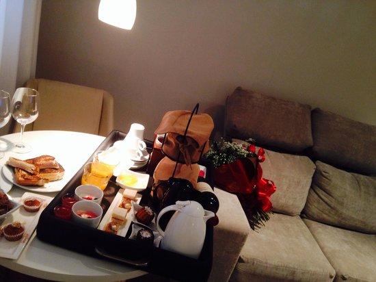 ModeVie Boutique Hotel: Café da manha no quarto!