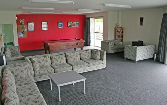 Silver Fern Lodge: Living Room