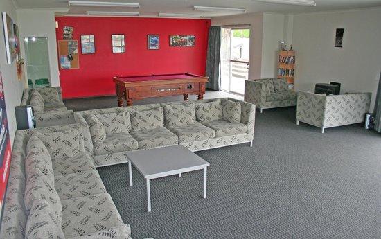 Silver Fern Lodge: Living Room