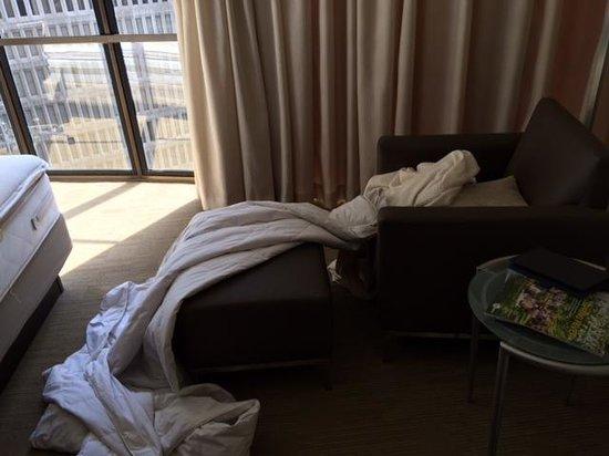 Hyatt Regency Atlanta: Dirty Room upon arrival