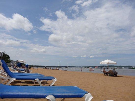 Sugar Beach Resort Hotel: Nice clean beach