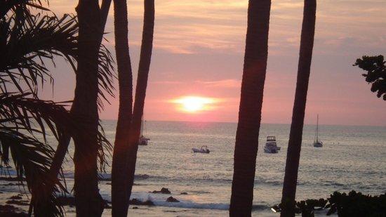 Hotel Tamarindo Diria : Sunset from our balcony