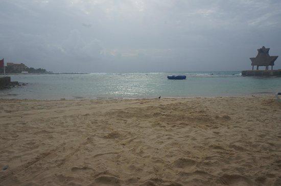 Dreams Puerto Aventuras Resort & Spa: Beach view