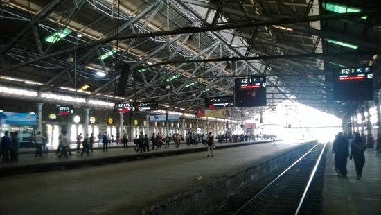 Chhatrapati Shivaji Terminus: Station