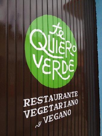 Te Quiero Verde: Entrance sign