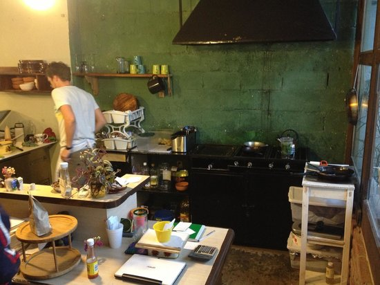 Te Quiero Verde: Their open-view kitchen