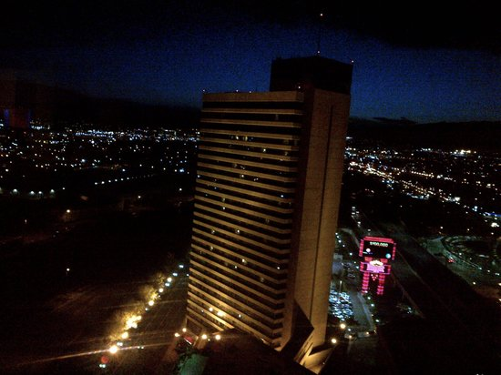 Nugget Casino Resort: The view from our room of the other hotel tower