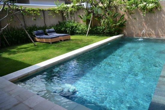 Uma Sapna: The private pool