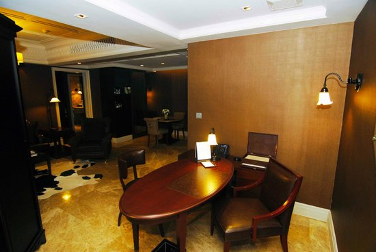 Hotel Muse Bangkok Langsuan - MGallery Collection : Suite Livingroom