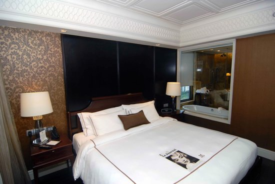 Hotel Muse Bangkok Langsuan - MGallery Collection : Suite Bedroom