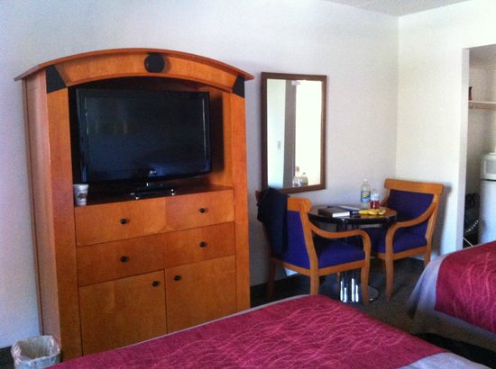 Days Inn Prescott: Nice flat screen tv
