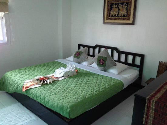 Top Garden Boutique Guesthouse: The big king bed