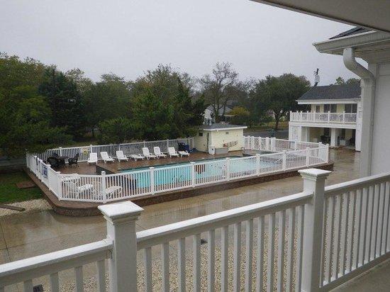 Madison Avenue Beach Club Motel: pool