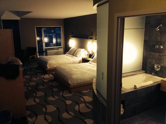 Lakeview Hecla Resort: Double queen room