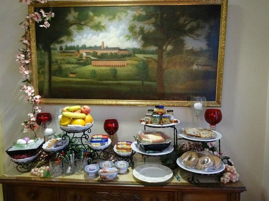 Robertshaw Country House Bed and Breakfast: Food Area