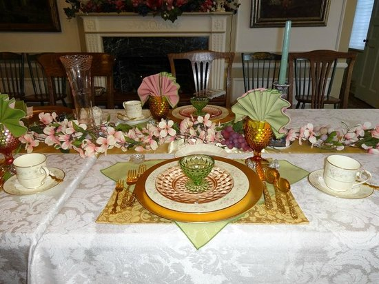 Robertshaw Country House Bed and Breakfast : Dining place setting