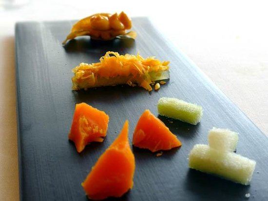 Restaurant Sant Pau, Carme Ruscalleda : Mimolette, 3 combinations with chayote and ginger