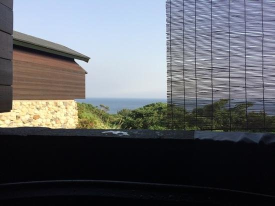 Yakushima Umi no Cottage Tida: view from the outside bathroom