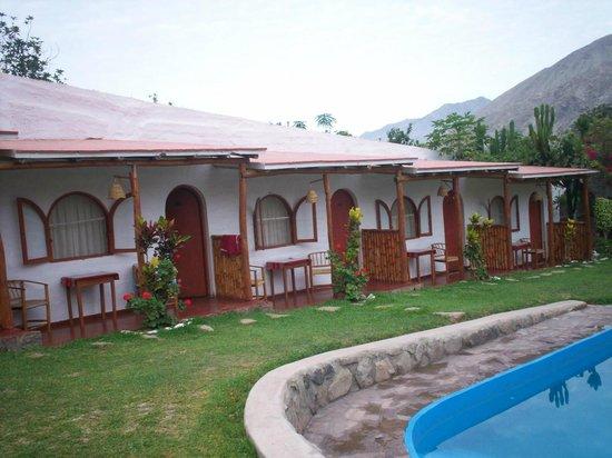 La Fortaleza Del Inca: vista de las habitaciones desde la piscina