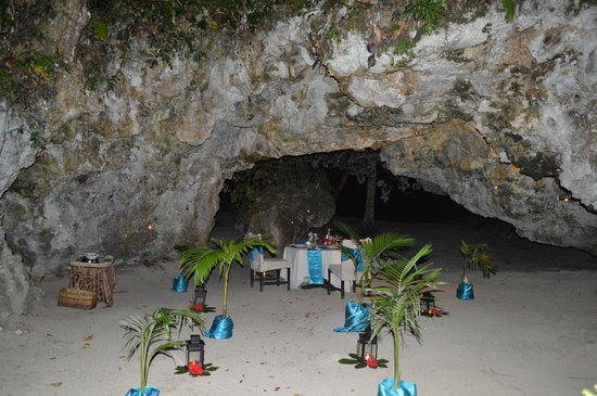 Namale Resort & Spa: Private & Romantic Cave Dinner for 2.