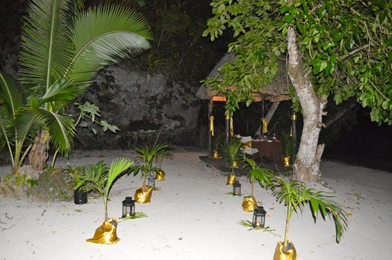 Namale Resort & Spa: Private dinner on the beach