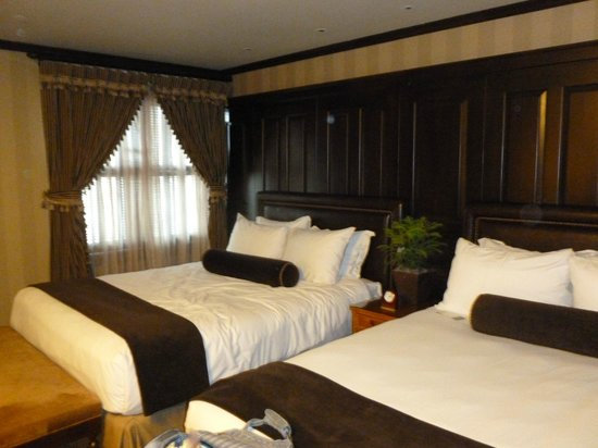 The American Club: Deluxe Room