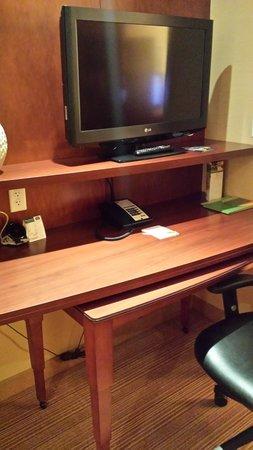 Courtyard Santa Ana Orange County: junior suite desk