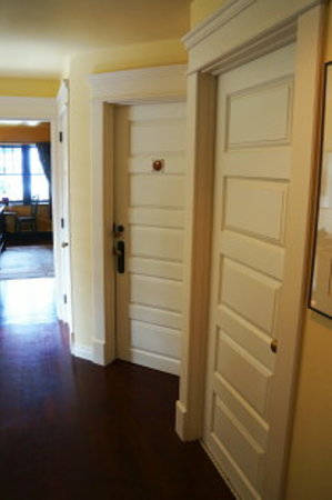 BriMar Bed and Breakfast: Second Floor hallway