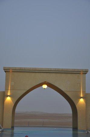Tilal Liwa Hotel: Nighttime in the desert.