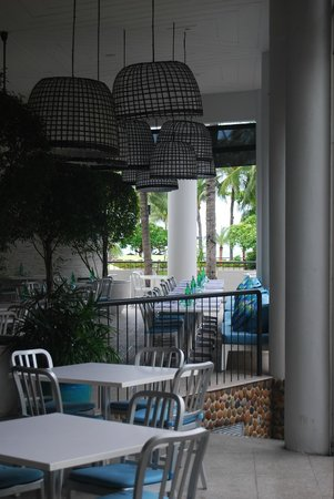 Hard Rock Hotel Pattaya: soothing colours in dining