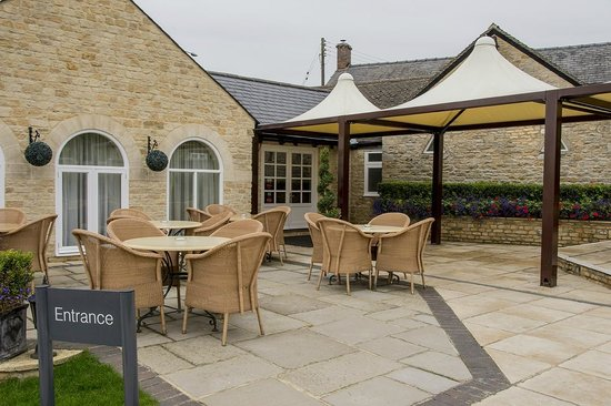 Number Four at Stow Hotel & Restaurant: Outside entrance