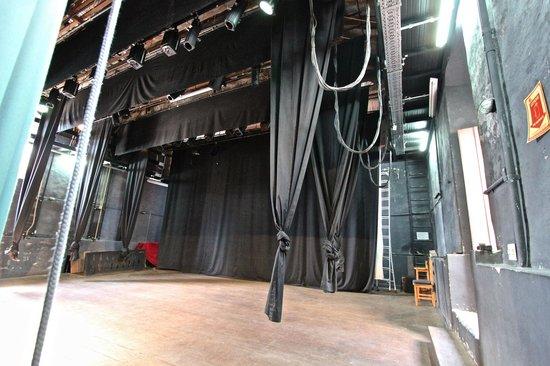 Teatro Municipal: cortinas e equipamentos
