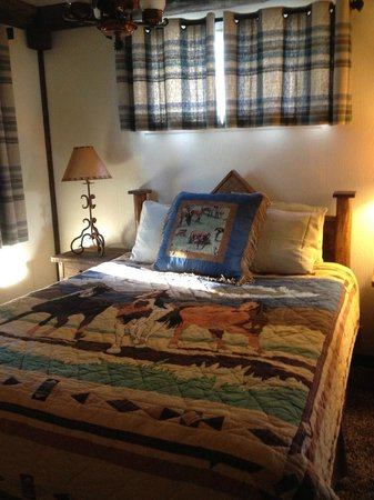 Hillcrest Lodge: Bedroom