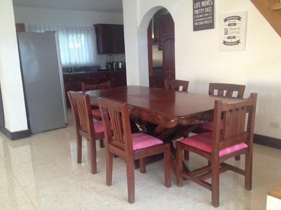 Pinjalo Resort Villas: Dining Room