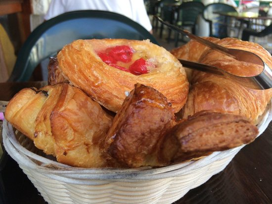 Zee Best Restaurant: Breakfast Pastries