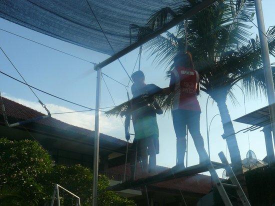 Bali Dynasty Resort Hotel: Trapeze School