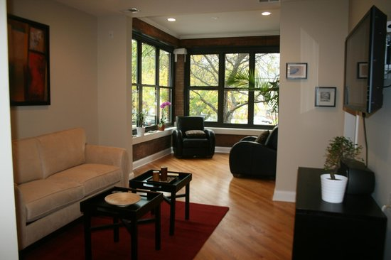 Photo of Roscoe Village Guesthouse Chicago
