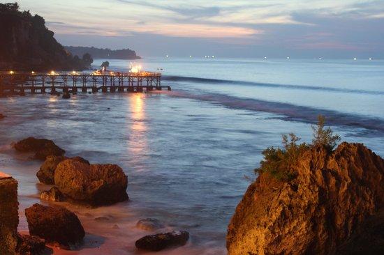 AYANA Resort and Spa: The Rock Bar