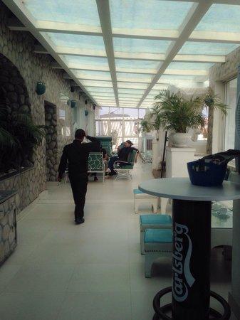 Gaju Suite Hotel: Restaurant