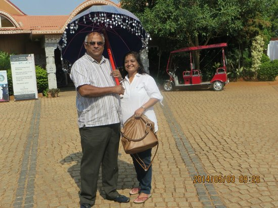 Vijayshree Resort & Heritage Village: from reception to our car