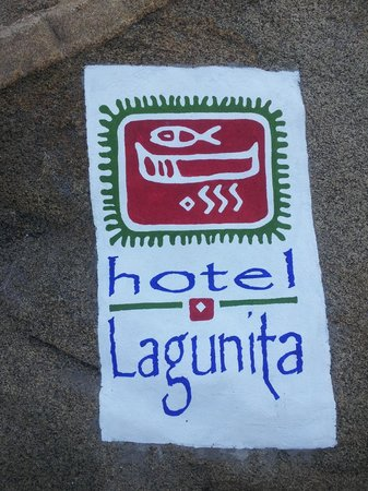 Hotel Lagunita: Welcome sign at the dock