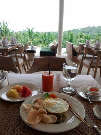 Salza Resto : Late breakfast, Indonesia food