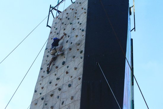Embarcadero: climbing activities