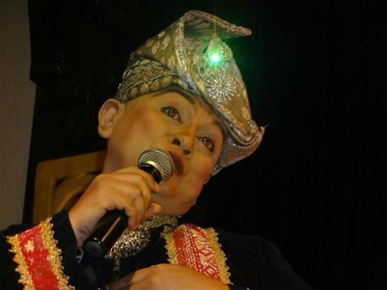 "Saloma Theatre Restaurant: ""GAY"" Host made a mockery of the Cultural Program"