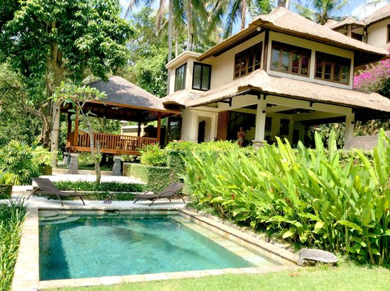 Villa Semana: The luxurious compound of villa cempaka