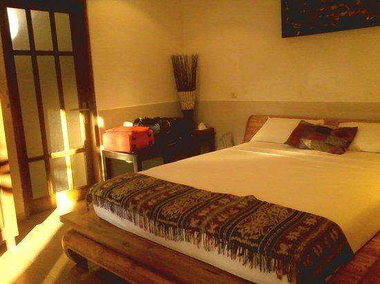 Hotel Melamun: room
