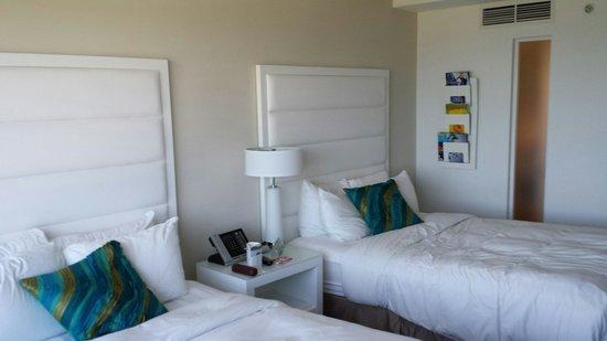 Sonesta Fort Lauderdale Beach : 2 double beds. Room 515