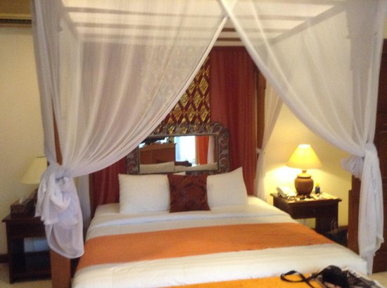 The Mansion Resort Hotel & Spa : wonderful bedroom