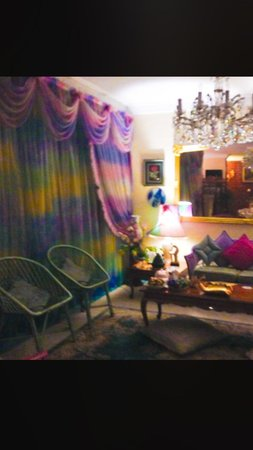 Garden Guest House : Relaxing living room